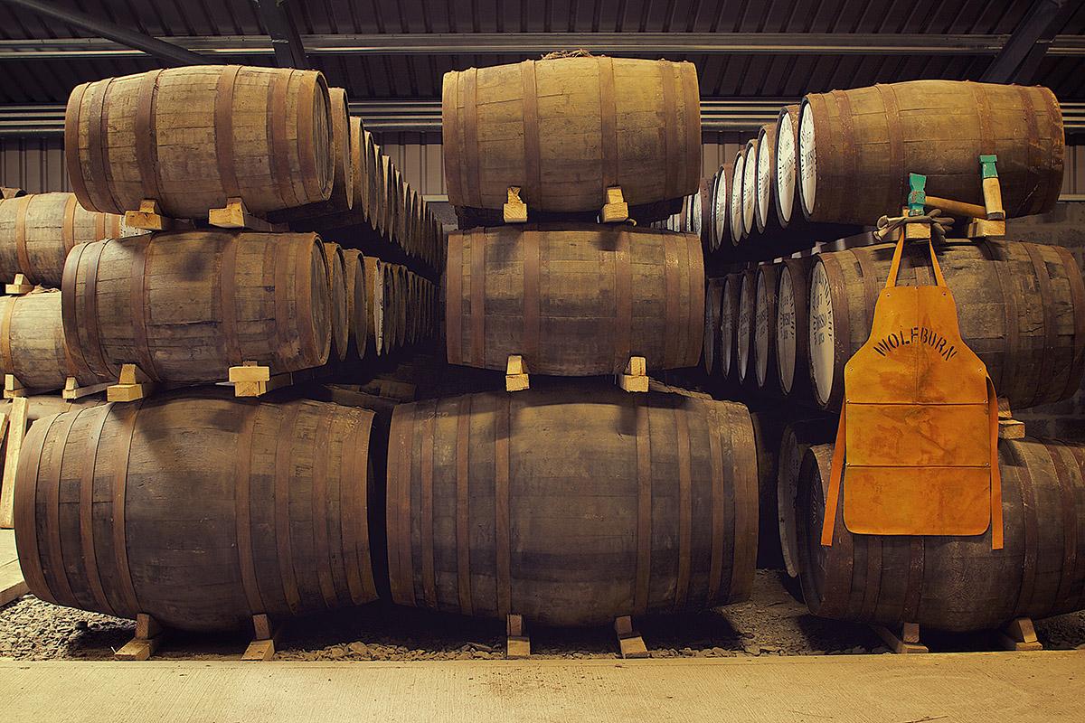 Хранение бочек на складах винокурни Wolfburn
